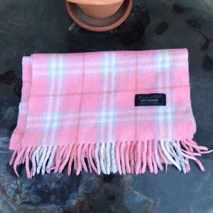Burberry 100% cashmere scarf 💓